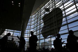 Apple hoãn tuyển nhân sự vì iPhone bán ế