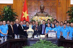 Thủ tướng: Chính phủ tạo mọi điều kiện để duy trì 'ngọn lửa đam mê' chế tạo vệ tinh của Việt Nam
