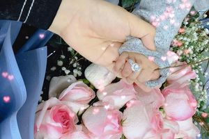 Quế Ngọc Hải tặng nhẫn kim cương cho vợ
