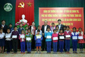 Phó Thủ tướng Trương Hòa Bình thăm, làm việc tại đồn Biên phòng và đồng bào vùng cao Quảng Trị
