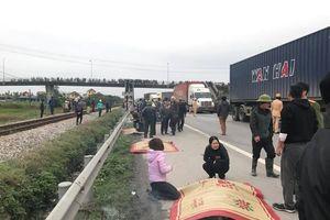 Hải Dương: Xe mất lái lao vào đoàn người đưa tang, 9 người tử vong
