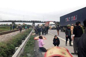 NÓNG: Tai nạn kinh hoàng ngày giáp tết ở Hải Dương, 8 người chết, 6 người trọng thương