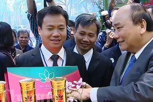 Thủ tướng Nguyễn Xuân Phúc: Gắn đặc sản vùng miền với giá trị văn hóa dân tộc