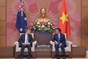 Tổng Thư ký Quốc hội Nguyễn Hạnh phúc chào xã giao Chủ tịch Thượng viện Australia Scott Ryan