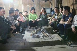 Quà Tết đến với đồng bào nghèo Hòa Bình, Sơn La, Điện Biên