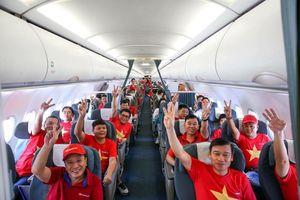 Cổ động viên Việt Nam vượt 5.400km sang Dubai xem tứ kết Asian Cup 2019