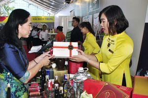 Truyền thông tiếp sức cho hàng Việt