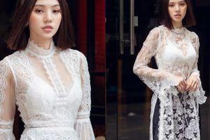 Jolie Nguyễn chỉ cách mặc áo dài khoe nội y đẹp Tết này