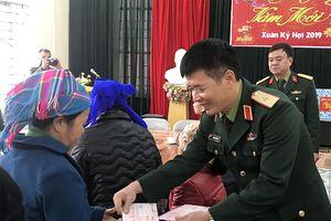 Đoàn công tác Quân khu 1 và Văn phòng Đoàn đại biểu Quốc hội tỉnh Thái Nguyên thăm, chúc Tết tại Cao Bằng