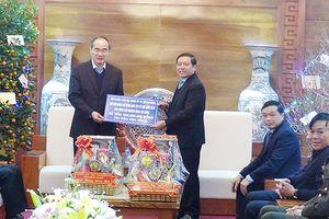 Đồng chí Nguyễn Thiện Nhân thăm và chúc tết tỉnh Cao Bằng