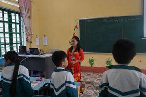 Ứng dụng CNTT trong đổi mới giáo dục: Chuyển động nơi vùng khó