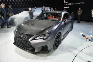 Lexus RC F Track Edition ra mắt tại Detroi Motor Show