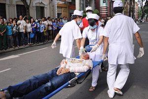 Bác sĩ BV Việt Đức chỉ cách cứu nạn nhân tai nạn giao thông ngay tại hiện trường