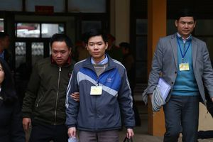 Bác sĩ Hoàng Công Lương bị đề nghị mức án 36 đến 42 tháng tù