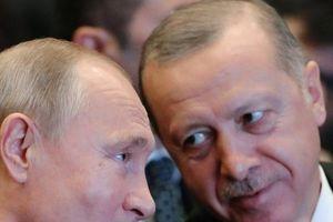 Đứng giữa ngã tư đường, ông Erdogan muốn một sự 'đánh đổi' với ông Putin ở Syria?