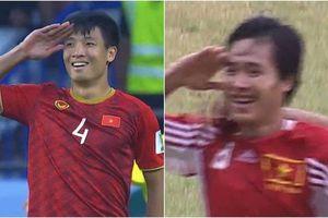 Dân mạng 'phát sốt' màn ăn mừng kiểu nhà binh của Tiến Dũng trùng hợp với tiền vệ Hồng Sơn cách đây 20 năm