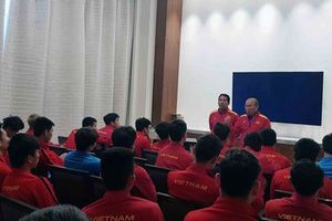 Đội tuyển Việt Nam lần đầu 'thưởng thức' VAR, HLV Park Hang Seo nói gì?