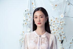 Diện váy ren mỏng, Jun Vũ như nàng thơ bước ra từ cổ tích