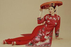 Á hậu Thanh Trang cá tính khi diện áo dài cách tân