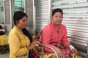 Vợ hái ớt thuê xin giúp 30 triệu đồng cứu chồng khỏi tàn phế