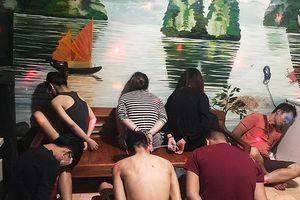 Tổ chức 'chợ' ma túy đá tại nhà với con ruột, dâu, rể tham gia