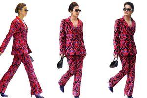 Vợ Nick Jonas, Victoria Beckham có street style đẹp nhất tuần