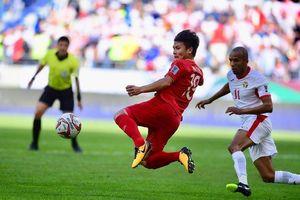 Quang Hải 'vượt mặt' Ashkan Dejagah giành chiến thắng giải Cầu thủ xuất sắc vòng bảng Asian Cup 2019