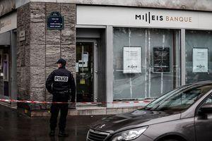 Nhóm cướp vũ trang vét sạch 30 két sắt tại ngân hàng tại Pháp