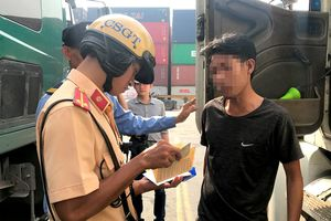 TP.HCM: Kiểm tra đột xuất cảng Cát Lái, phát hiện 2 tài xế container dương tính với ma túy