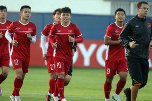 Thủ tướng chúc đội tuyển Việt Nam thi đấu mạnh mẽ trong trận tứ kết