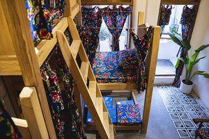 Không gian 'ngủ dorm' độc lạ trên phố ẩm thực Hà Nội