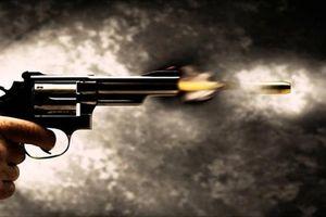 Hai nhóm thanh niên nổ súng hỗn chiến trong đêm, 3 người trọng thương