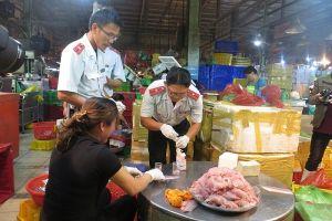 TP.HCM: Chợ Bình Điền bị các hộ kinh doanh tự phát lấn chiếm, gây nhiều mối lo