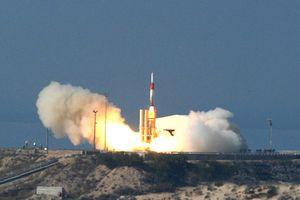 Vừa phóng tên lửa vào Syria, Israel bắt tay Mỹ thử 'lá chắn thép' Arrow 3