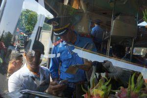 Bến xe Miền Đông: Thanh tra Giao thông phát hiện nhiều nhà xe tự ý sửa giá vé