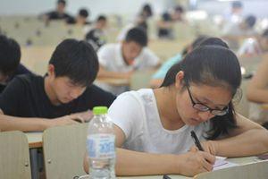 Nêu lợi ích của bệnh AIDS, tự khai chuyện quan hệ tình dục: Bài kiểm tra khiến nhiều sinh viên phẫn nộ