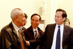 Bộ trưởng Đào Ngọc Dung gặp mặt các nguyên lãnh đạo bộ nhân dịp năm mới