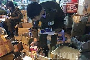 Hà Nội: Thu giữ lượng lớn sản phẩm kích dục không hóa đơn
