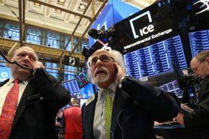 Đón dữ liệu kinh tế xấu, chứng khoán Mỹ sụt mạnh nhất gần 3 tuần