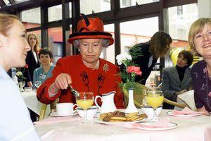 Khám phá thực đơn ăn uống đặc biệt của Hoàng gia Anh