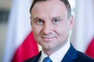 Ba Lan: Xe đâm rào chắn trước Dinh tổng thống, 1 người bị thương