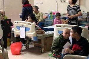 Đoàn Luật sư Hà Nội mang 'hơi ấm ngày Tết' đến với trẻ em bị bệnh ung thư