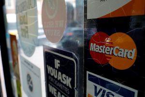 Mastercard bị EU phạt 650 triệu USD