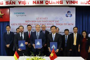 Siemens hỗ trợ Đại học Bách khoa TP.HCM phát triển phòng thí nghiệm công nghiệp 4.0