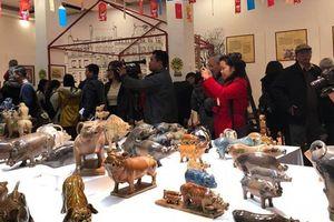 Chiêm ngưỡng bộ sưu tập 'Con giáp của tôi - Lợn sung túc' của nhà sử học Dương Trung Quốc