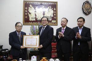 Bí thư Thành ủy Hà Nội chúc Tết các gia đình nguyên lãnh đạo thành phố và trí thức, văn nghệ sỹ