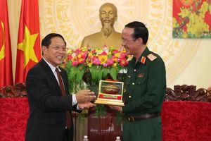 Tổng lãnh sự Lào tại Đà Nẵng thăm Quân khu 5