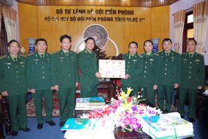 Thiếu tướng Nguyễn Văn Nam thăm, chúc Tết cán bộ, chiến sỹ BĐBP Nghệ An