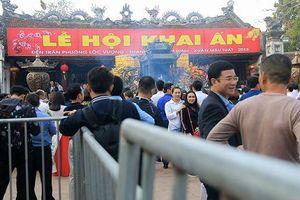 Lễ hội Khai ấn Đền Trần Xuân Kỷ Hợi(Nam Định): Cán bộ 'ném tiền, cướp lộc' sẽ bị phê bình