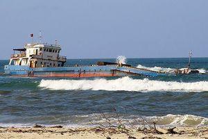 Tàu chở than bị chìm, 14 thuyền viên được cứu sống